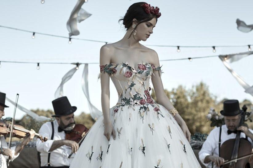 f46f1d889dc7 Abiti da sposa colorati  40 modelli per le personalità più audaci