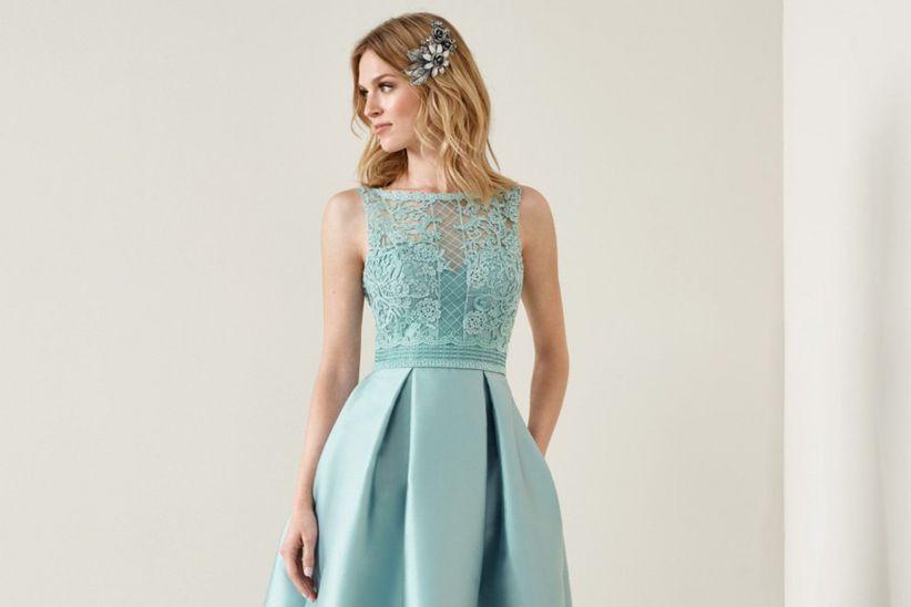 9c801157fea8 50 look colorati per le invitate di nozze: ecco i migliori outfit!