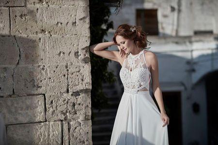 Abiti da sposa con scollatura all'americana: i 30 modelli più belli!