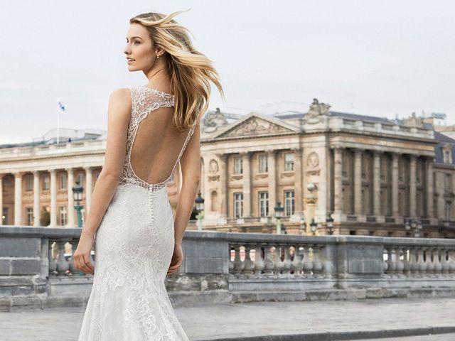 Abiti da sposa con schiena scoperta: sensualità e audacia per un look senza tempo