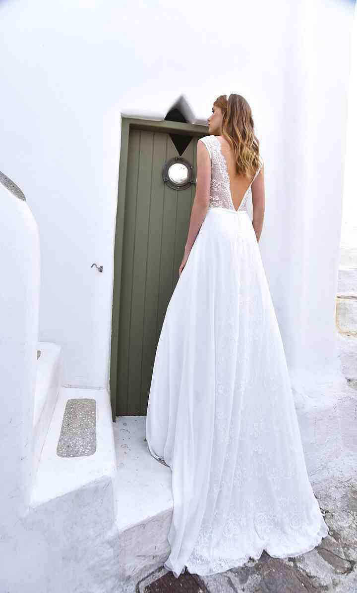 Vestiti Da Sposa Schiena Scoperta.43 Abiti Da Sposa Con Schiena Scoperta Sensualita E Audacia Senza