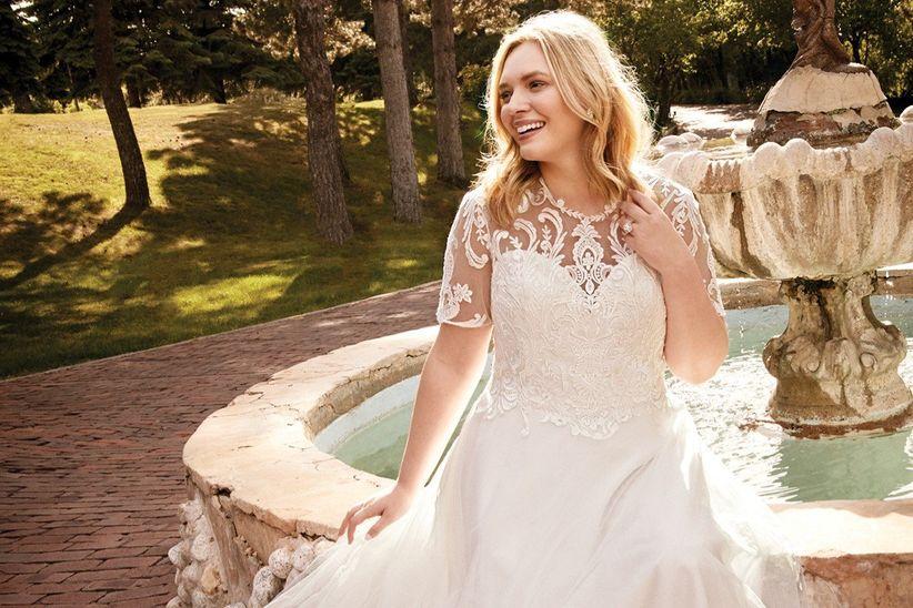 33ee4e790d7f 30 abiti da sposa per taglie comode  lusso ed eleganza per la moda ...