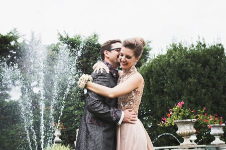 Le nozze di Vera e Simon: spontaneità cucita su misura