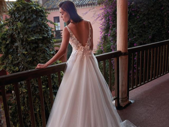 30 abiti da sposa con schiena scoperta: sensualità e audacia senza tempo