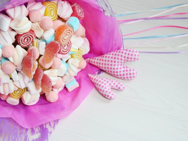 Un bouquet di caramelle come regalo per i vostri ospiti