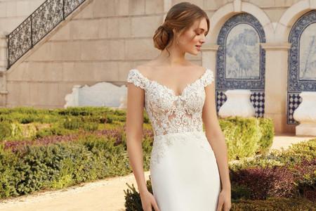 50 abiti da sposa con scollo omerale