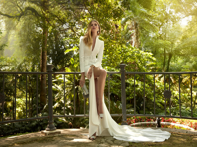 Ispirazioni e atmosfere amazzoniche per la collezione di abiti da sposa 2022 firmata Valerio Luna