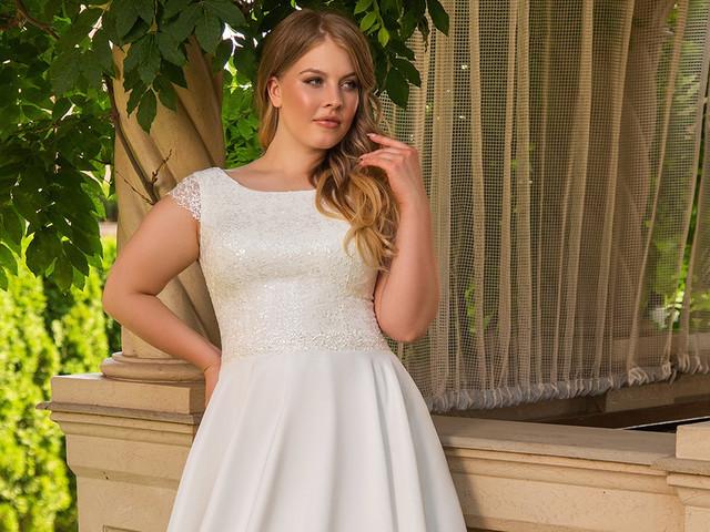 Abiti da sposa taglie forti: tutti i segreti per valorizzare un fisico curvy in 30 modelli