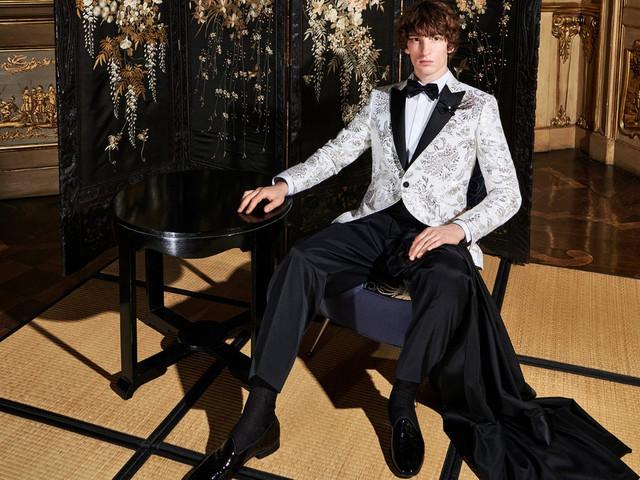 La nuova collezione di abiti da cerimonia da uomo 2022 di Carlo Pignatelli arriva in boutique