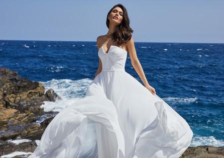 Pronovias Premiere: eleganza in chiave glamour per una sposa da red carpet!