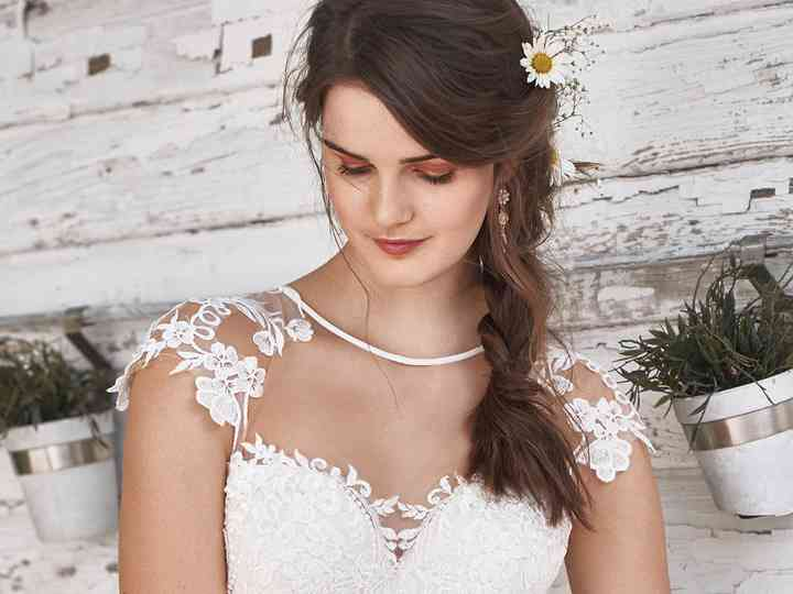 La vostra acconciatura in base all'abito da sposa: trovate quella perfetta per il vostro stile!