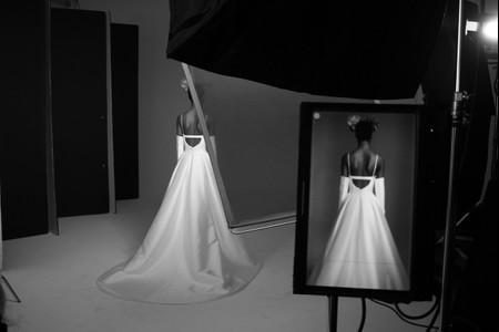 Vera Wang Bride 2021: stile eccentrico e dettagli tradizionali in una collezione glamour