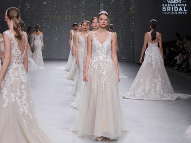 9647bf981e6d Demetrios Platinum 2020  abiti da sposa dal fascino regale. La sposa