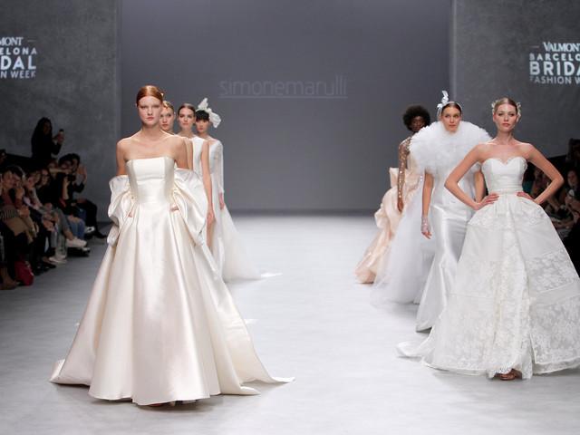 df8699035bec Abiti da sposa Simone Marulli 2020  il Sesto Capitolo di una collezione  tutta Made in. La sposa