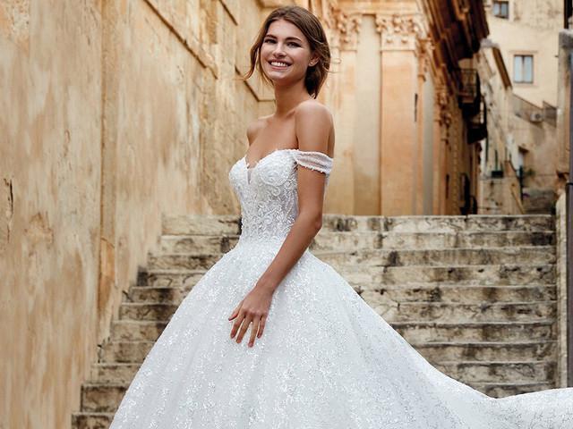 40 abiti da sposa per un matrimonio romantico: tra atmosfere fiabesche e realtà