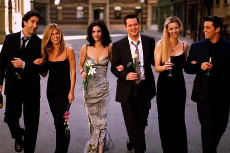 Reunion speciale del cast di Friends: ecco i momenti nuziali più belli della serie