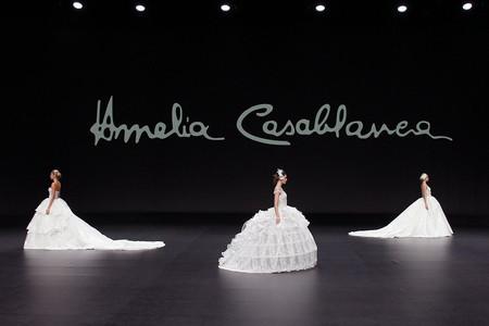 Abiti da sposa Amelia Casablanca 2021: l'equilibrio perfetto tra sogno e realtà sul white carpet della VBBFW