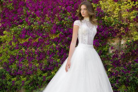 Abiti da sposa maniche corte: 35 modelli per farti sognare