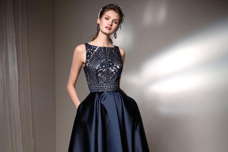 Look da invitata blu notte e nero: come abbinare con stile queste nuance?