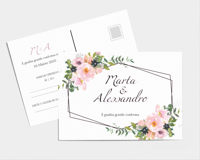 Biglietto di risposta matrimonio decorato con stampe con fiori
