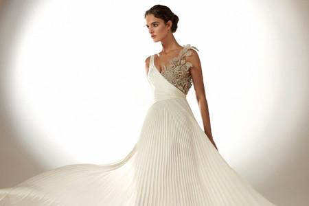 Abiti da sposa Atelier Pronovias 2021: bellezza in puro stile hollywoodiano!