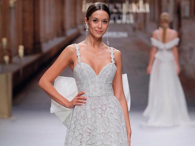 1e9fdab49343 Abiti da sposa Inmaculada García 2020  innovazione e stile per il grande  giorno. La sposa