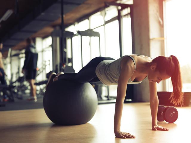 Benefici del pilates prima delle nozze: un allenamento che giova al corpo e alla mente