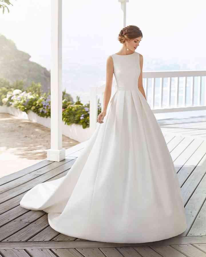 Vestiti Semplici Da Sposa.Abiti Da Sposa Semplici I 50 Modelli Piu Belli