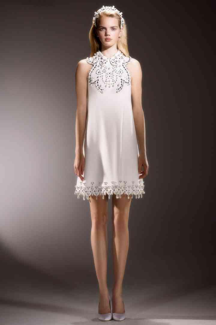 25 abiti da sposa corti: le tendenze del 2020