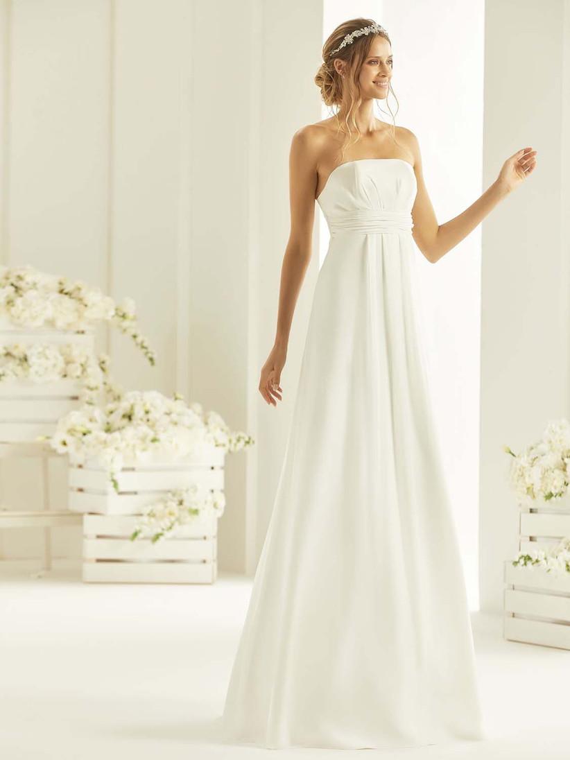 89409c670dd9 L acconciatura in base all abito da sposa  trovate quella perfetta ...