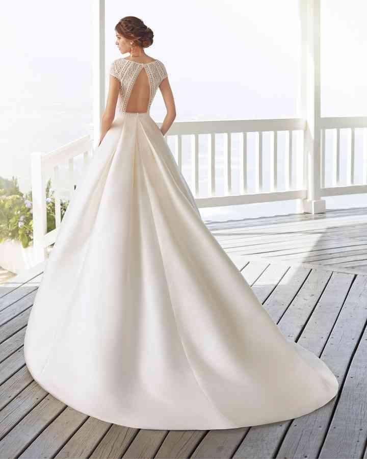 Vestiti Da Sposa Modelli.Abiti Da Sposa Semplici I 50 Modelli Piu Belli