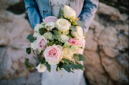 Bouquet da sposa per matrimoni sulla spiaggia: 8 idee per te!