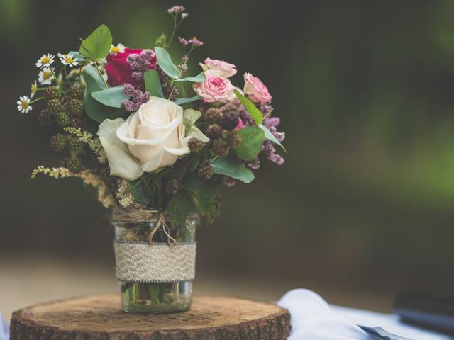 25 idee per fantastici centrotavola matrimonio economici in grande stile!