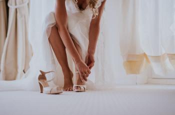 Sandali da sposa: 30 modelli di tendenza per le tue nozze estive!