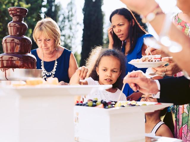 Cascate di dolcezza: le fontane di cioccolato per le vostre nozze