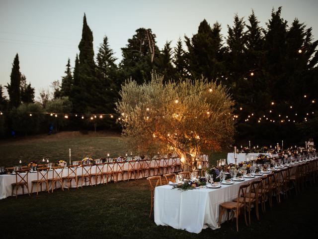 Illuminazione matrimonio all'aperto: come decorare il giardino del banchetto (e non solo)