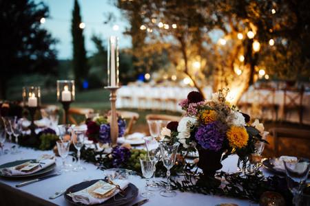Una calda atmosfera: 30 idee per decorare il vostro matrimonio con le candele