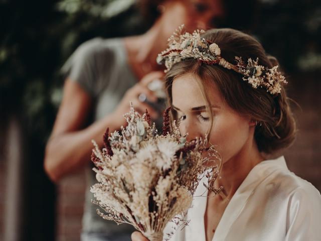 Acconciature sposa con fiori: 35 proposte irresistibili