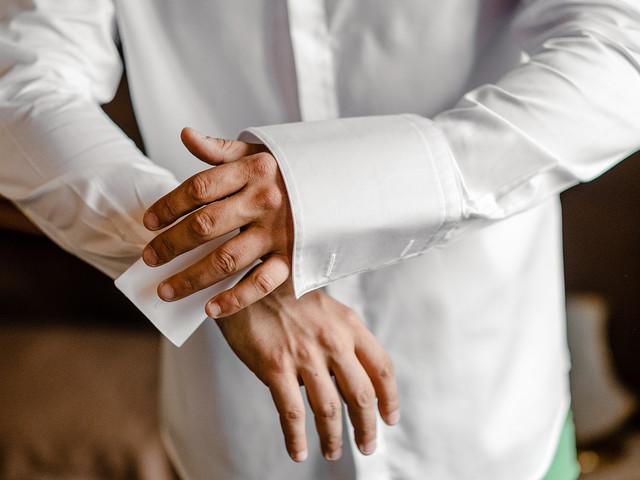 6 regole per scegliere la camicia ideale per lo sposo