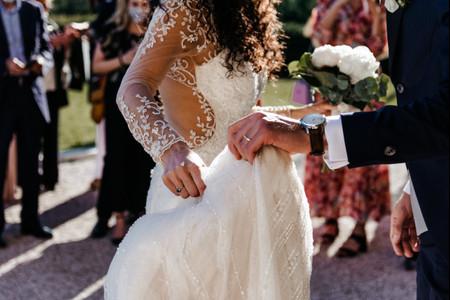 8 stratagemmi che potrai usare per adattare l'abito da sposa a una nuova stagione