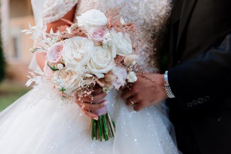 Bouquet da sposa con peonie: eccone 50 da vedere assolutamente prima delle nozze!