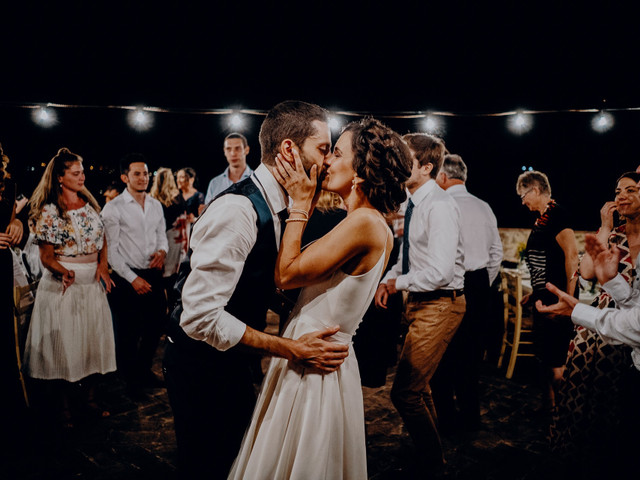 La canzone per il primo ballo da sposati: sceglietela così!