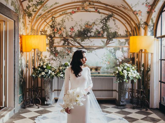 Acquistare l'abito da sposa: internet e atelier a confronto