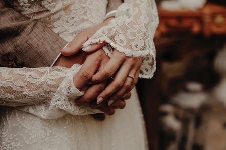 Fedi nuziali in titanio: un'intrigante novità nel mondo del wedding