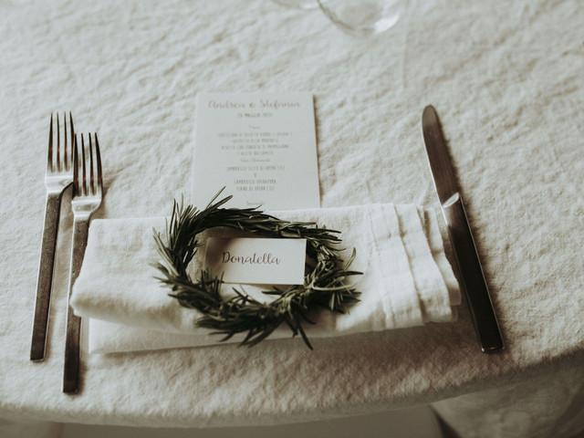 Allestimenti di nozze con il rosmarino, il simbolo del buon auspicio