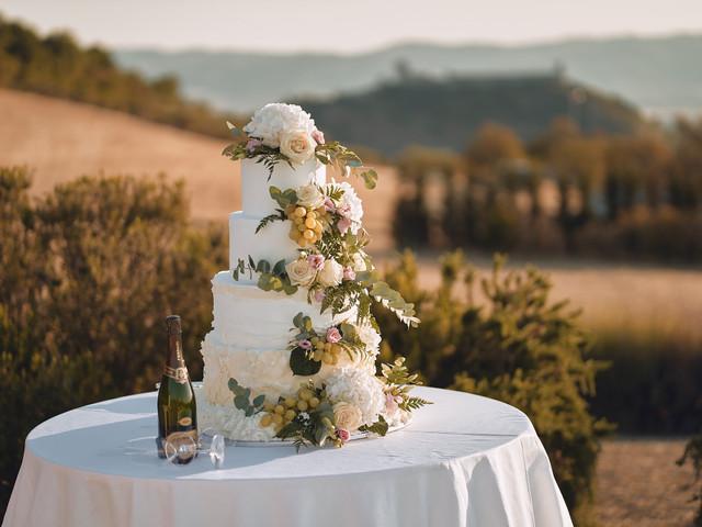 Scegliere la torta nuziale perfetta: tips per concludere le nozze con dolcezza!