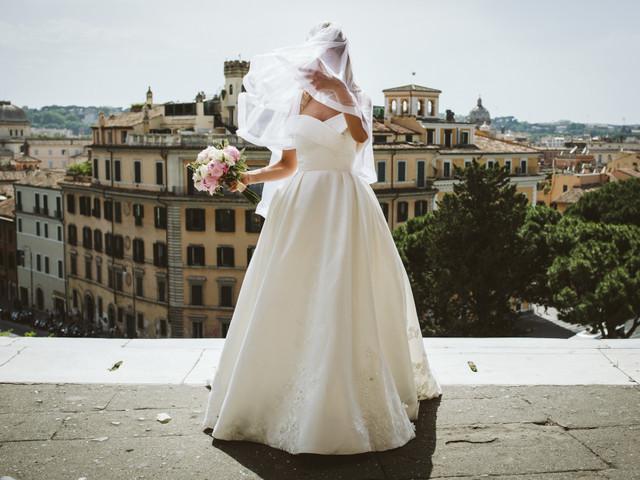 Il dizionario della seta per scegliere il tuo abito da sposa