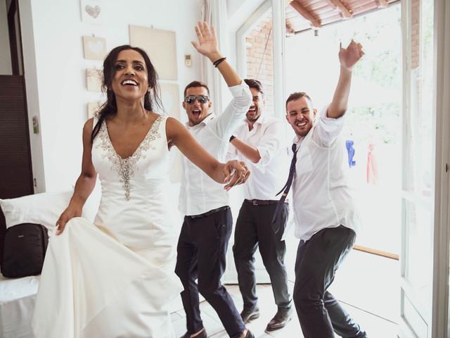 5 coreografie per sorprendere gli sposi con un divertente flash mob… e rispettare la distanza sociale!