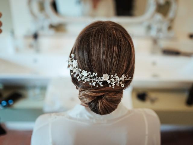 Look da sposa classico ed elegante: 20 accessori capelli che ti conquisteranno
