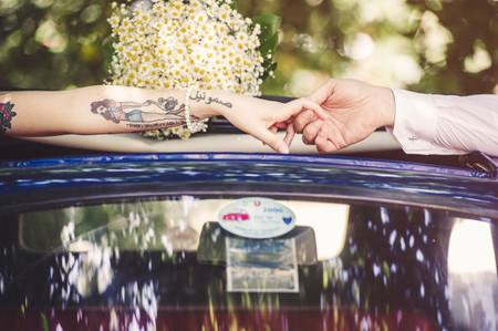 Tatuaggio: nel giorno delle nozze è meglio nasconderlo o valorizzarlo?